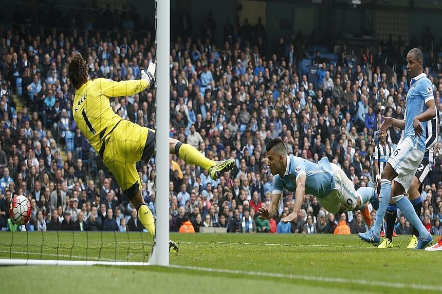Sergio Aguero scores the equaliser for Manchester City and goes on to bag four more goals as the home side beat Newcastle 6-1. City top the EPL table after yesterday's games.