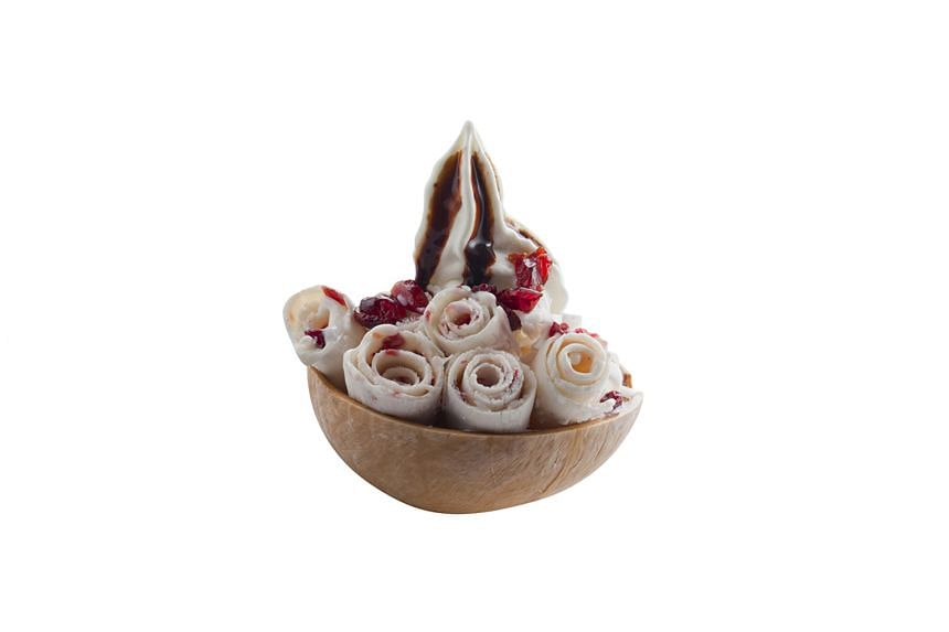 Coyoro's serves ice-cream roll flavours such as Cocoyoro, which is Thai coconut flesh with ice cream or yogurt rolls topped with cranberries.