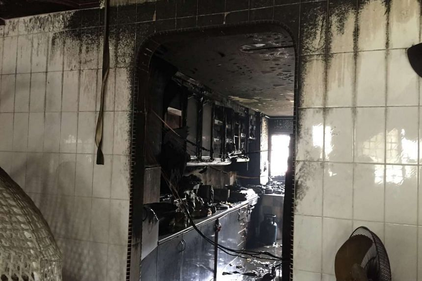 A fire that broke out in the kitchen of a flat in Bukit Batok on Monday morning badly damaged the kitchen and left a resident with minor burns on his foot.