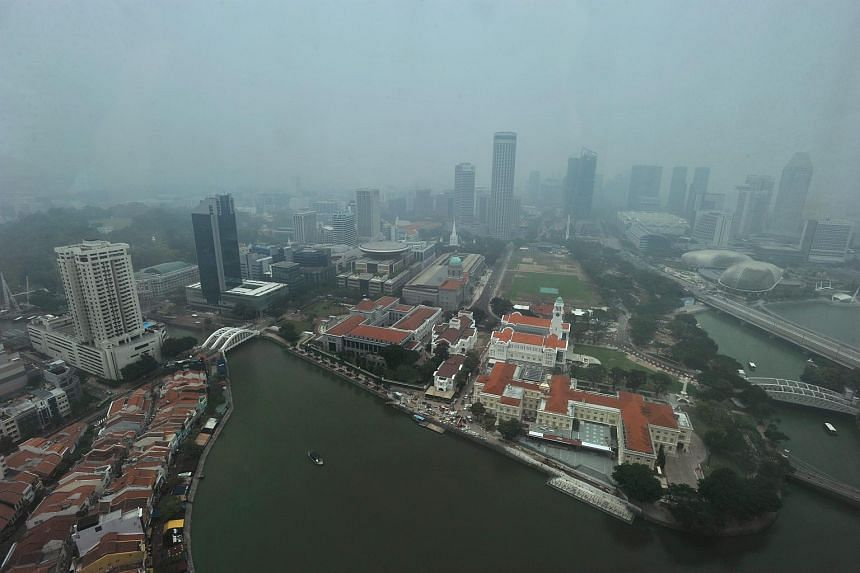 The haze situation at City Hall on Oct 1, 2015.