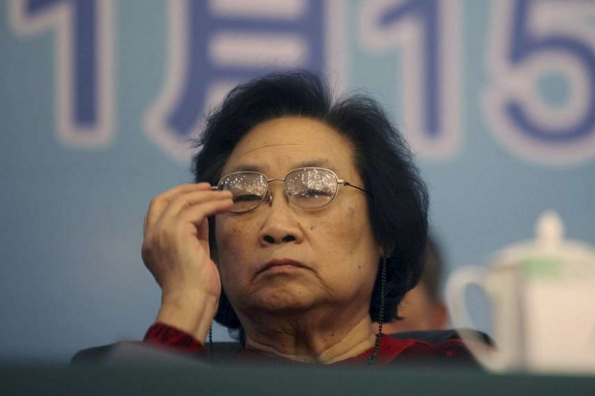 Dr Tu Youyou attending an award ceremony in Beijing, on Nov 15, 2011.
