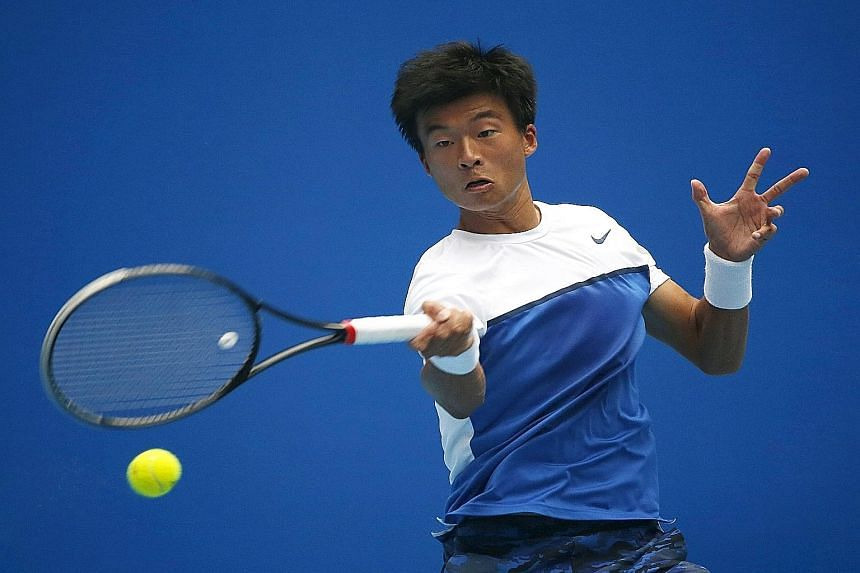 China's Wu Di, who used to be Rafael Nadal's hitting partner, is ranked 230th. He lost 4-6, 4-6.