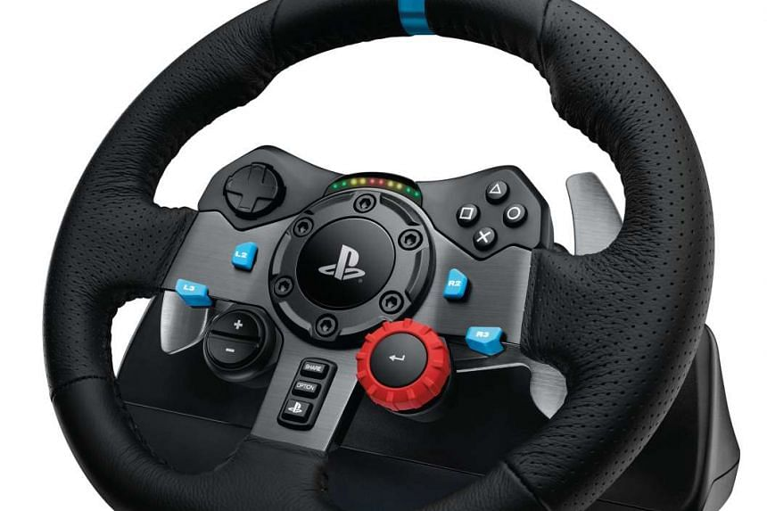 The G29 consists of a racing wheel and a floor pedal unit. The wheel is fitted with premium hand-stitched leather and offers a host of controls, including two paddle shifts, a directional pad, a selection dial and PlayStation buttons. The pedal unit