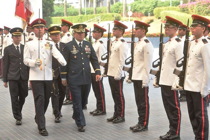 Lieutenant General Jeffrey Delgado, Commanding General of the Philippine Air Force, inspecting the Guard of Honour at Mindef.