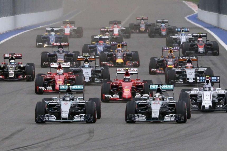 Mercedes driver Nico Rosberg of Germany leads the pack at the start of the Russian F1 Grand Prix in Sochi, Russia, on Oct 11, 2015.
