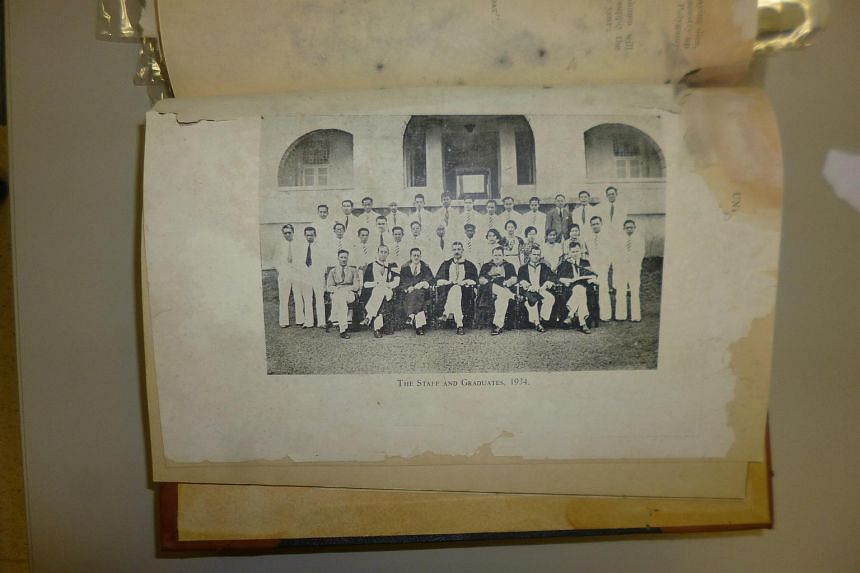 A photograph of the Raffles College students who graduated in 1934. Pioneer poet Teo Poh Leng attended teacher training courses at the college and is likely to be in the photograph, but is unidentified.