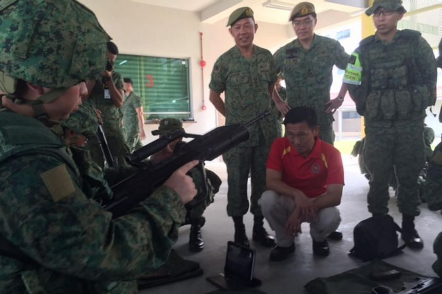 Senior Minister of State for Defence Ong Ye Kung at the BMTC.