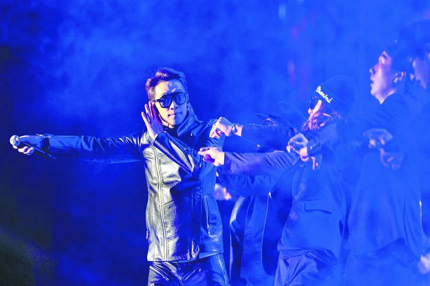 South Korean star Rain performing at a Sino-Korean Stars Charity Concert in Tianjin on Sunday.