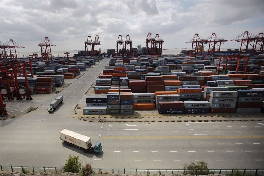 Regional markets remained in the red on Oct 14, 2015, a day after China announced a 20.4 per cent year-on-year drop in September imports.