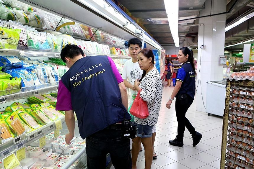 Each Sheng Siong outlet will have five to 10 employees donning blue vests to enhance their presence in the stores. Their offers to help shoppers have also improved customer service.
