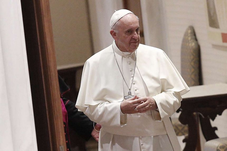 A Vatican spokesman has denied a report in an Italian newspaper that Pope Francis has a benign brain tumour.