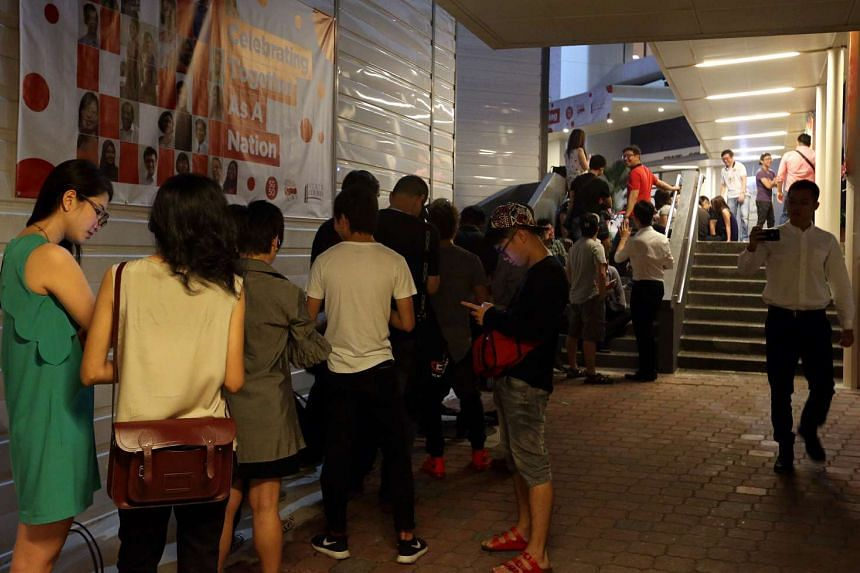 At 5.30am on Oct 21, a crowd was waiting to get passes to enter the State Courts.