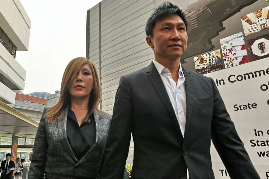 CHC founder Kong Hee and his wife Ho Yeow Sun arriving at the State Courts on Oct 21, 2015.