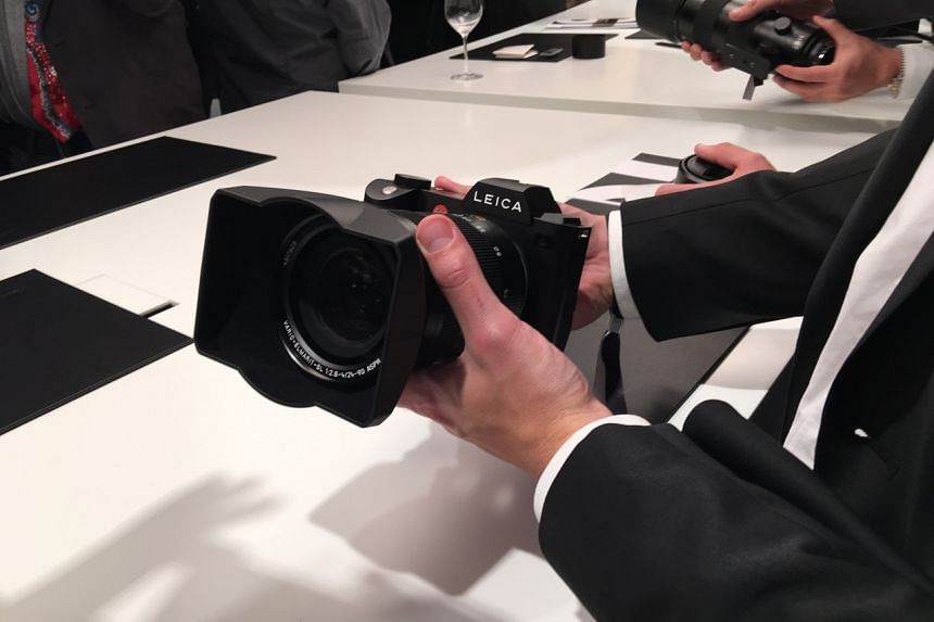 Members of the press and Leica retail partners having an hands-on with the new Leica SL (Type 601) in a special event held at Leitz Park in Wetzlar, Germany.