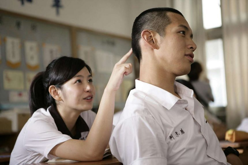 Michelle Chen and Kai Ko in You Are The Apple Of My Eye.