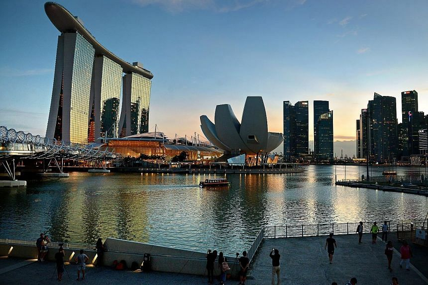 Marina Bay Sands benefits from being able to draw customers from a wide market, and is not reliant on Macau-style junkets for VIP turnover, said an analyst.