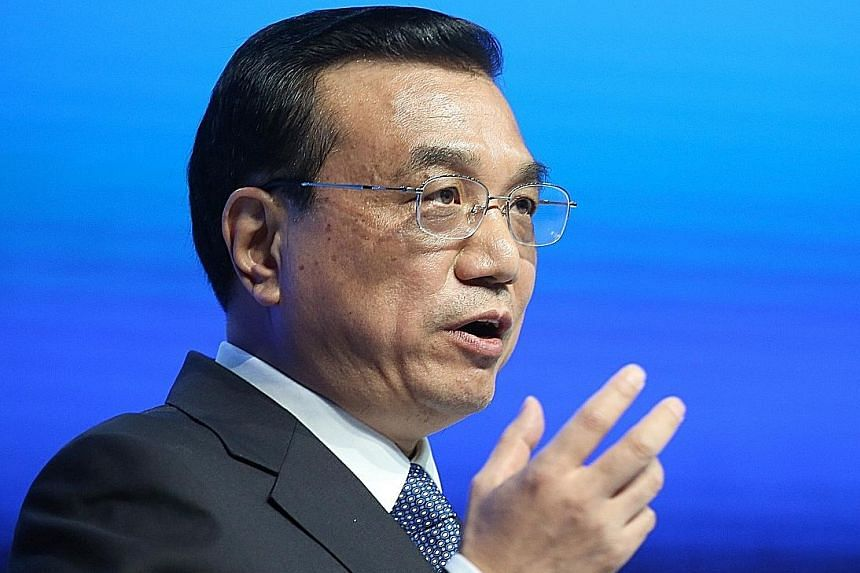 Chinese Premier Li Keqiang will visit Seoul on Saturday and attend the trilateral summit during his visit. The meeting will be a significant step in mending ties between the neighbours.