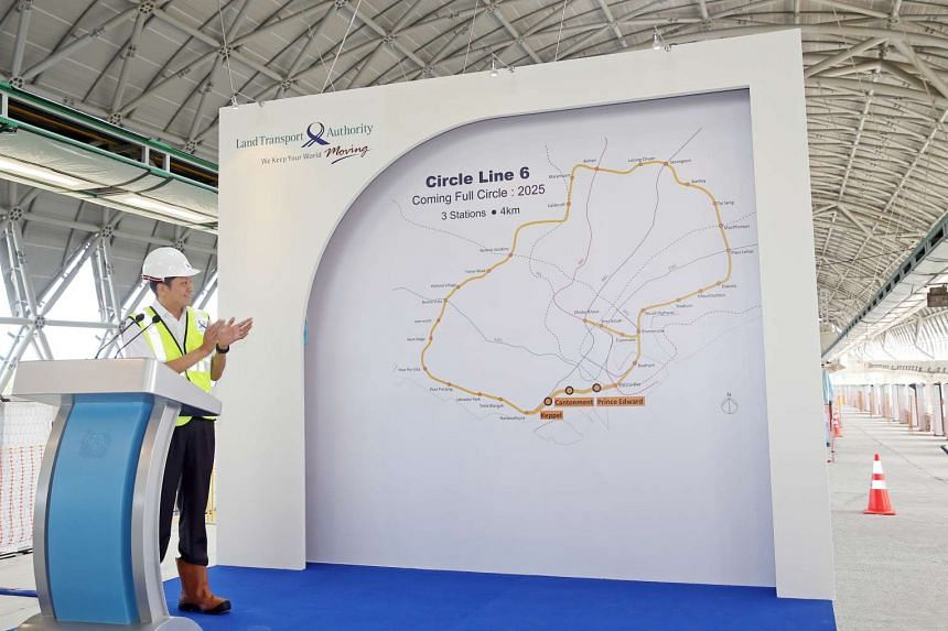 Senior Minister of State for the Ministry of Transport Ng Chee Meng unveiling the three stations that will complete the Circle line by 2025.