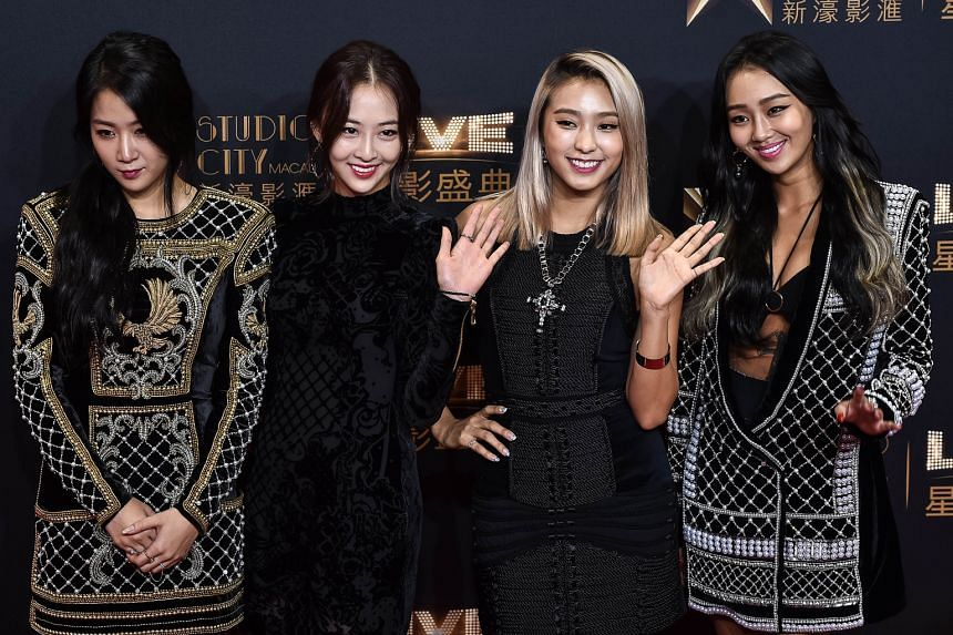 South Korean girl group Sistar (above) on the red carpet.