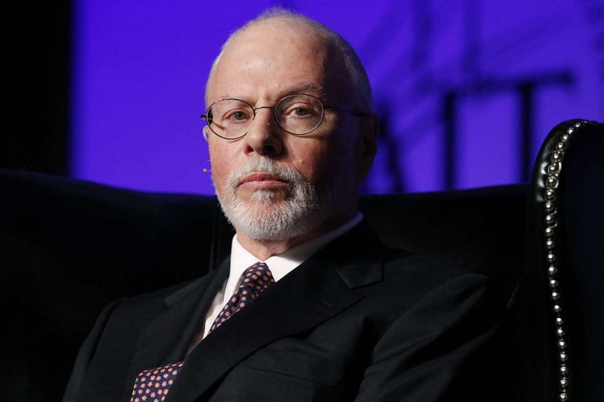 Billionaire New York investor Paul Singer sent a letter to dozens of other donors on Friday declaring his support for Senator Rubio.