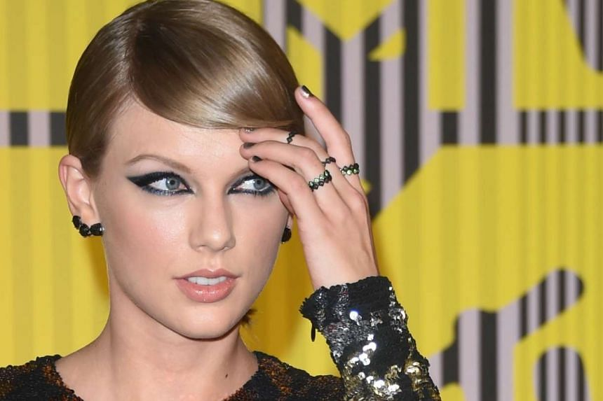 Pop singer Taylor Swift claims she was groped by ex-radio host David Mueller and is seeking punitive damages.