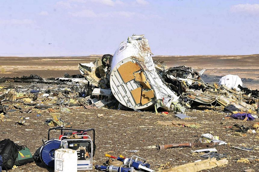 Debris from crashed Russian jet lies strewn across the sand at the site of the crash, Sinai, Egypt, on Oct 31, 2015.