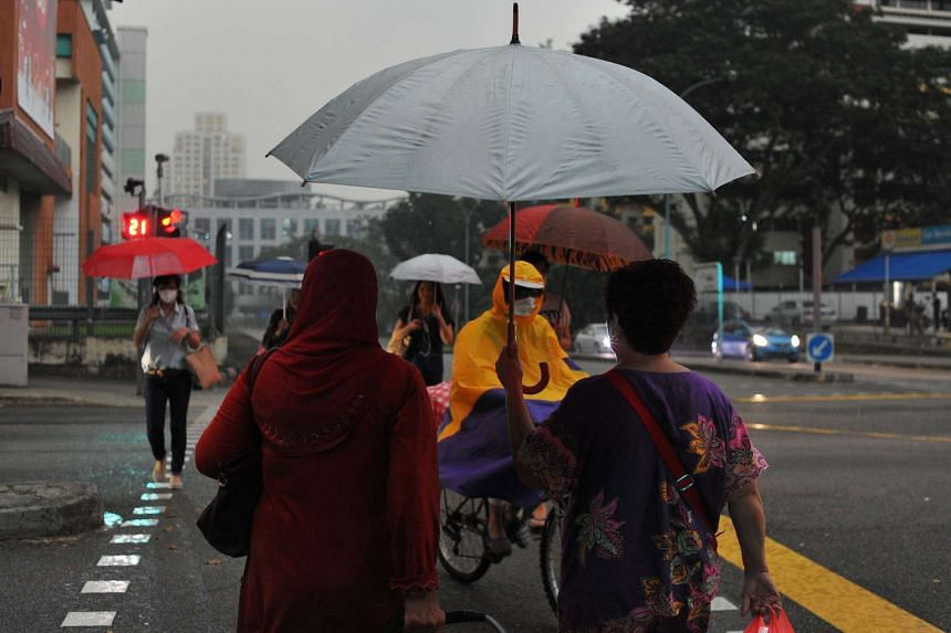 Short, thundery showers are expected in the afternoon over the first two weeks of November.