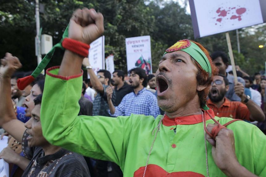 Protesters demonstrating against the attacks on publishers in Dhaka, Bangladesh, on Nov 1, 2015.