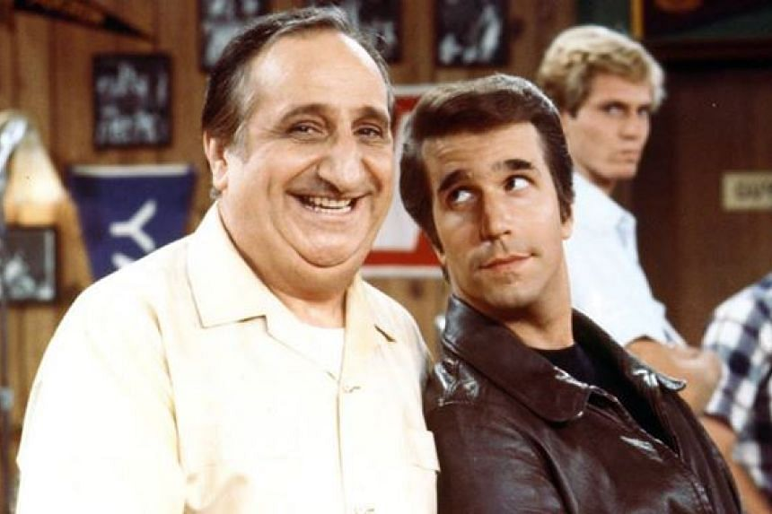 Al Molinaro (left) and Henry Winkler as Al and Fonzie in a scene from Happy Days.
