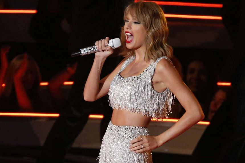 Taylor Swift performing Shake It Off during the 2014 MTV Video Music Awards on Aug 24, 2014.