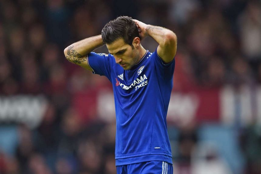 Chelsea midfielder Cesc Fabregas has denied suggestions of a rift with manager Jose Mourinho.