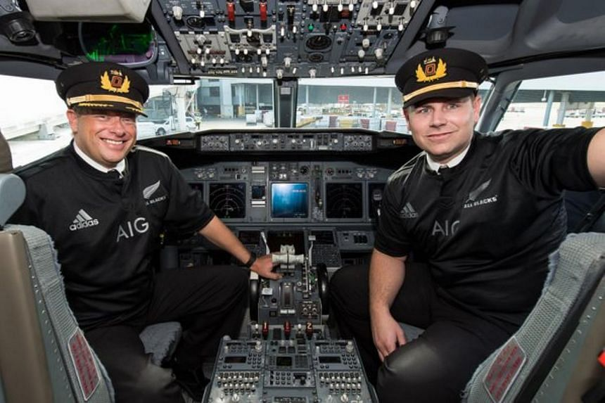 Qantas confirmed that QF143 from Sydney to Auckland had a pilot and first officer sporting the black jerseys.