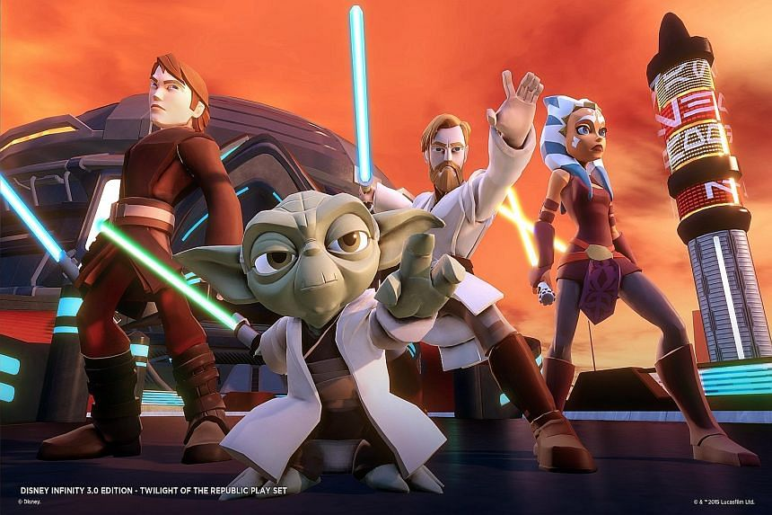The Disney Infinity 3.0 Star Wars: Twilight Of The Republic Starter Pack comes with Anakin Skywalker and Ahsoka Tano, and the action takes place in the Star Wars Universe from the prequel trilogy.