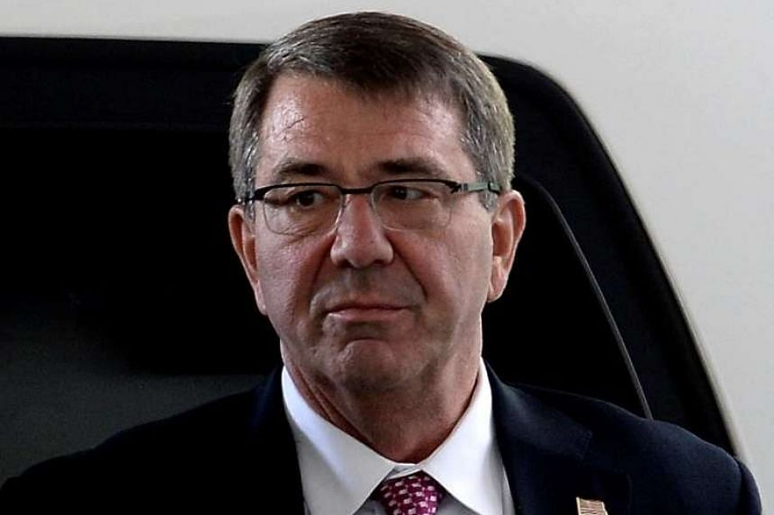United States Defence Secretary Ashton Carter visited an aircraft carrier in the South China Sea on Thursday (Nov 5).