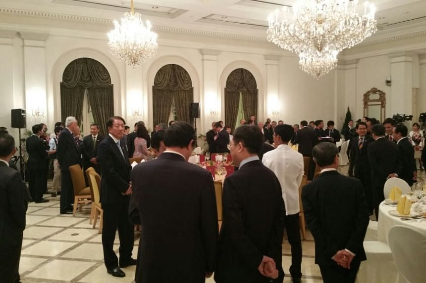 Guests mingling at the state banquet hosted by Singapore President Tony Tan Keng Yam in honour of Chinese President Xi Jinping, at the Istana on Nov 6, 2015.