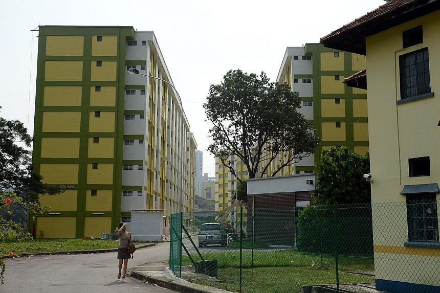 There are likely to be more residential and integrated residential and commercial developments near Keppel Station in the future. The Keppel area is largely undeveloped, with empty tracts in areas, including the vicinity of these Spooner Road flats.