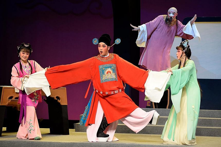 The Fujian Provincial Experimental Min Opera Theatre (left) will perform tonight, and the Zhejiang Wu Opera Troupe (above) tomorrow, at the Kreta Ayer People's Theatre.