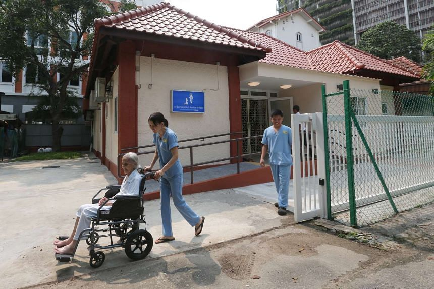 Residents will feel like they are living in their own home where they can invite family and friends over. If they feel like going out, the staff can accompany them for outings or walks to the nearby hawker centre or mall.
