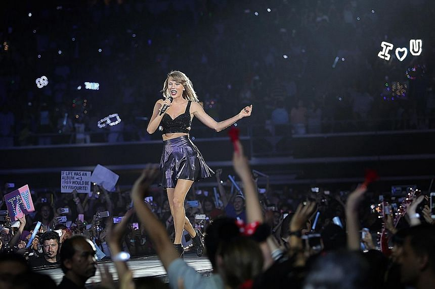 Taylor Swift strutted down a massive runway that made 360-degree turns just so all of her fans could see her up close.
