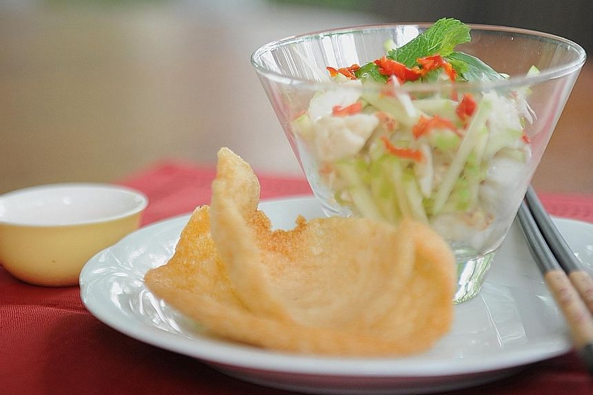 Vietnamese Crabmeat Salad with Keropok
