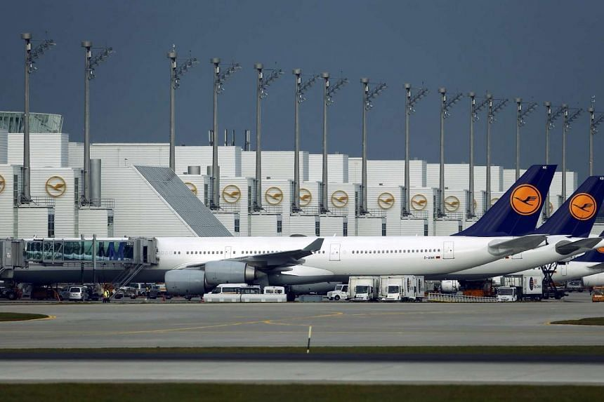 German carrier Lufthansa signed a partnership with Singapore Airlines to cooperate on key routes between Singapore and Europe.