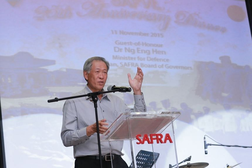 Minister for Defence Dr Ng Eng Hen speaking to the veterans at the SAFVL 25th Anniverary Dinner.