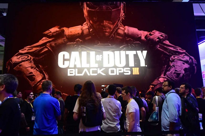 Gaming fans waiting to play Activision Blizzard's Call of Duty: Black Ops III at the E3 video game conference in Los Angeles on June 16.