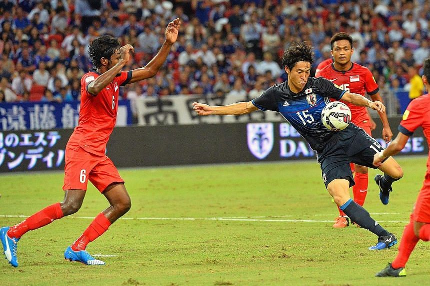 Mu Kanazaki did not miss with this volley to open the scoring for Japan in the game against Singapore last night. While Lions goalkeeper Izwan Mahbud once again displayed the form which he had shown in the June game in Saitama, he could not prevent t