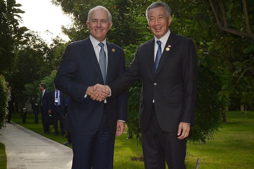 Prime Minister Lee Hsien Loon (right) met with Australian Prime Minister Malcolm Turnbull at the G20 Summit in Turkey on Nov 15, 2015.