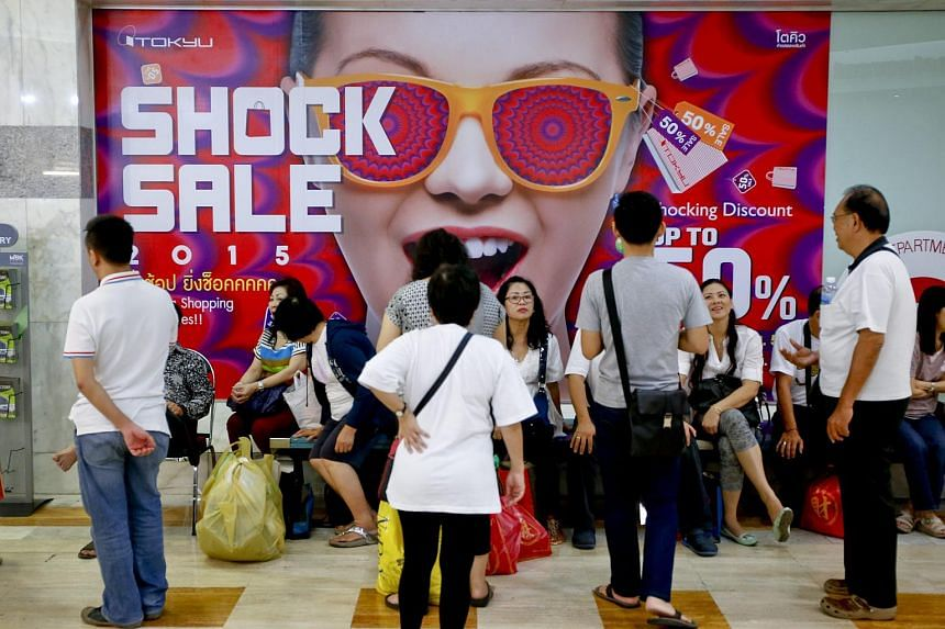 Shoppers at a mall in Bangkok on Nov 9, 2015.
