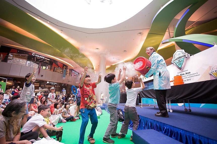 Science Bob, an American science presenter, entertaining children at a science carnival at VivoCity in July. The event kicked off this year's Singapore Science Festival.