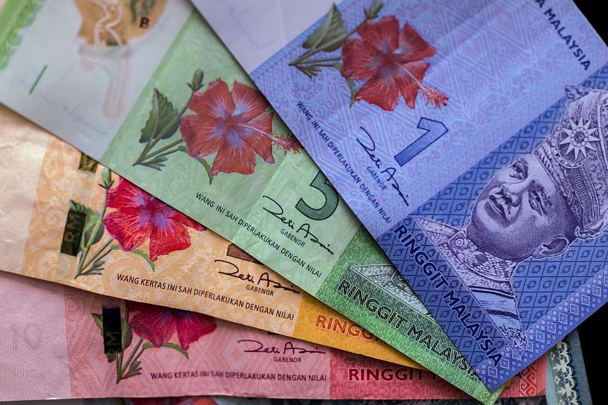 Investors are shunning 10-year sovereign sukuk as a sliding ringgit hurts sentiment and fuels capital outflows.