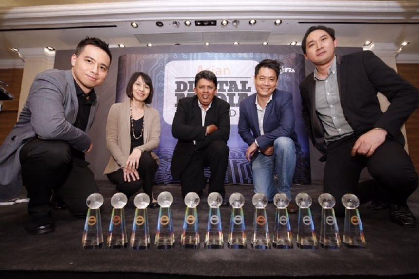 (From left) Business Times'  Christopher Lim; ST's Choo Li Meng, Patrick Daniel, Eugene Leow, and Stomp's Azhar Kasman.