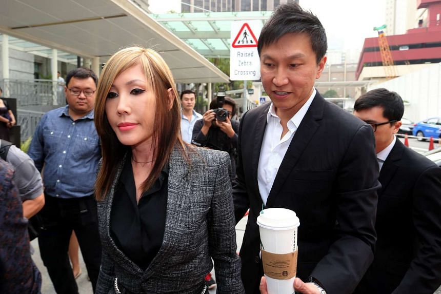 City Harvest Church (CHC) founder Kong Hee and his wife Ho Yeow Sun arriving at the courts on Oct 21, 2015.